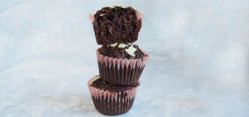 Babeczki muffiny czekoladowe z kakao i marchewką