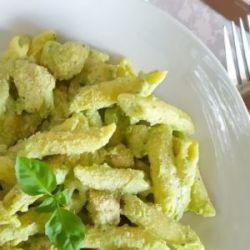 makaron z brokułami i kurczakiem w sosie jogurtowym - bernatowicz agnieszka zaowocuj zdrowiem dietetyk online nowa sól przepisy zdrowe gotowanie